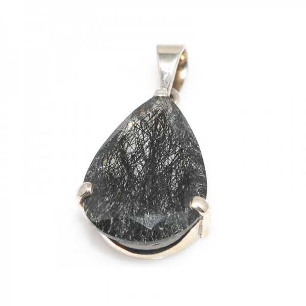 Bergkristall mit Rutilen