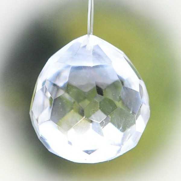 Regenbogenkristall, Fensterkristall aus Bergkristall Tropfen ca. 3 -4 cm