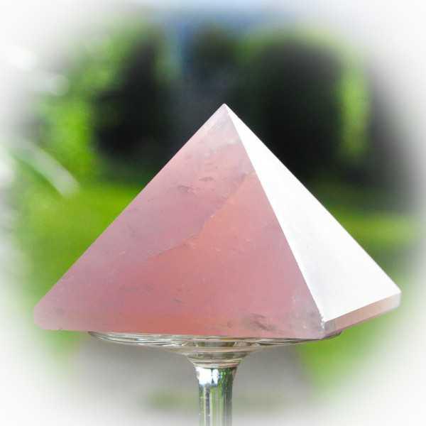 Rosenquarz Pyramide 6 cm