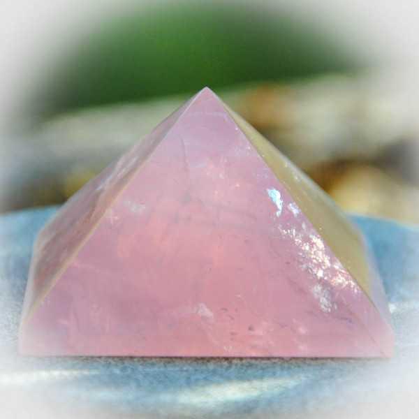 Rosenquarz pyramide 5 cm